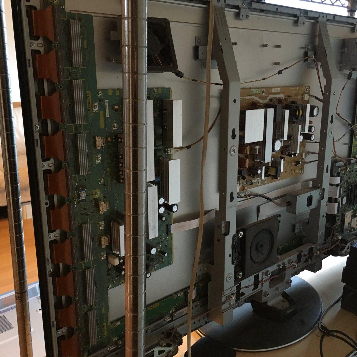 修理中猫はしまっていてください/Panasonicのプラズマテレビが壊れてしまい修理にきてもらったお話